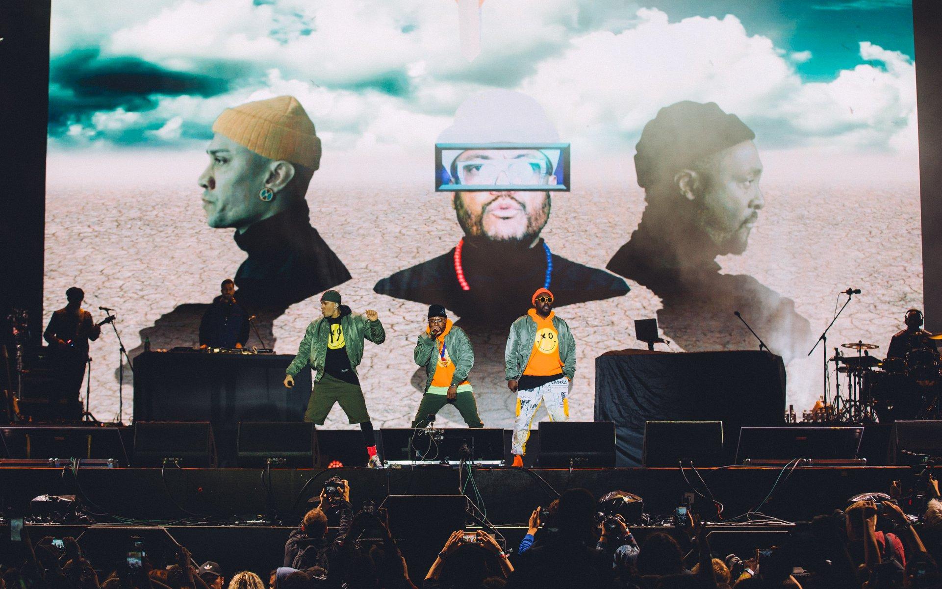 Специально для Marie Claire: интервью с группой Black Eyed Peas-Фото 2