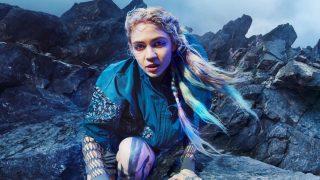 Певица Граймс снялась в рекламной кампании Adidas-320x180