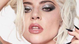 Леди Гага отказалась от ретуши в рекламной кампании косметики-320x180