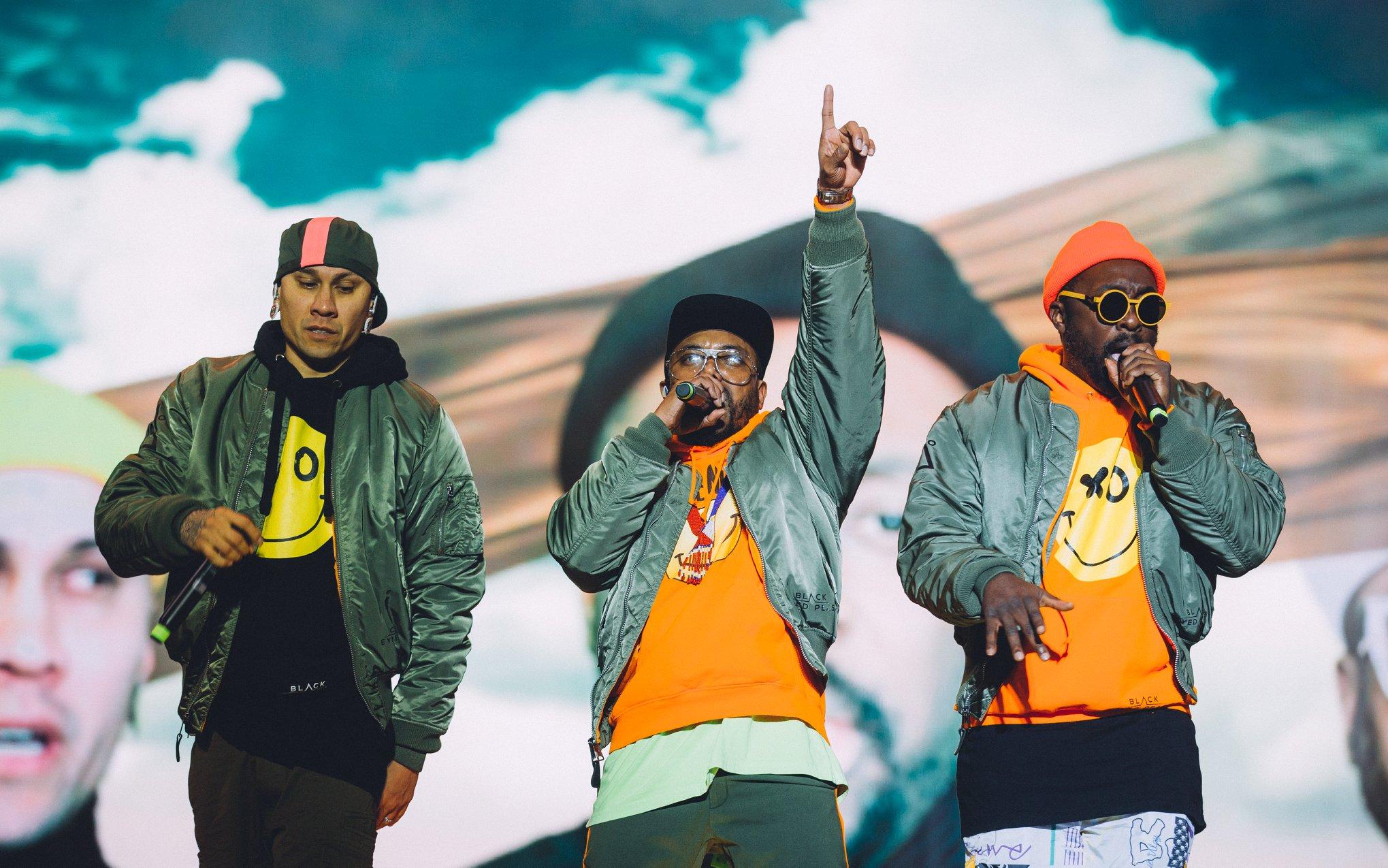 Специально для Marie Claire: интервью с группой Black Eyed Peas-Фото 1
