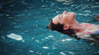 Сколько калорий можно скинуть благодаря плаванию?-320x180