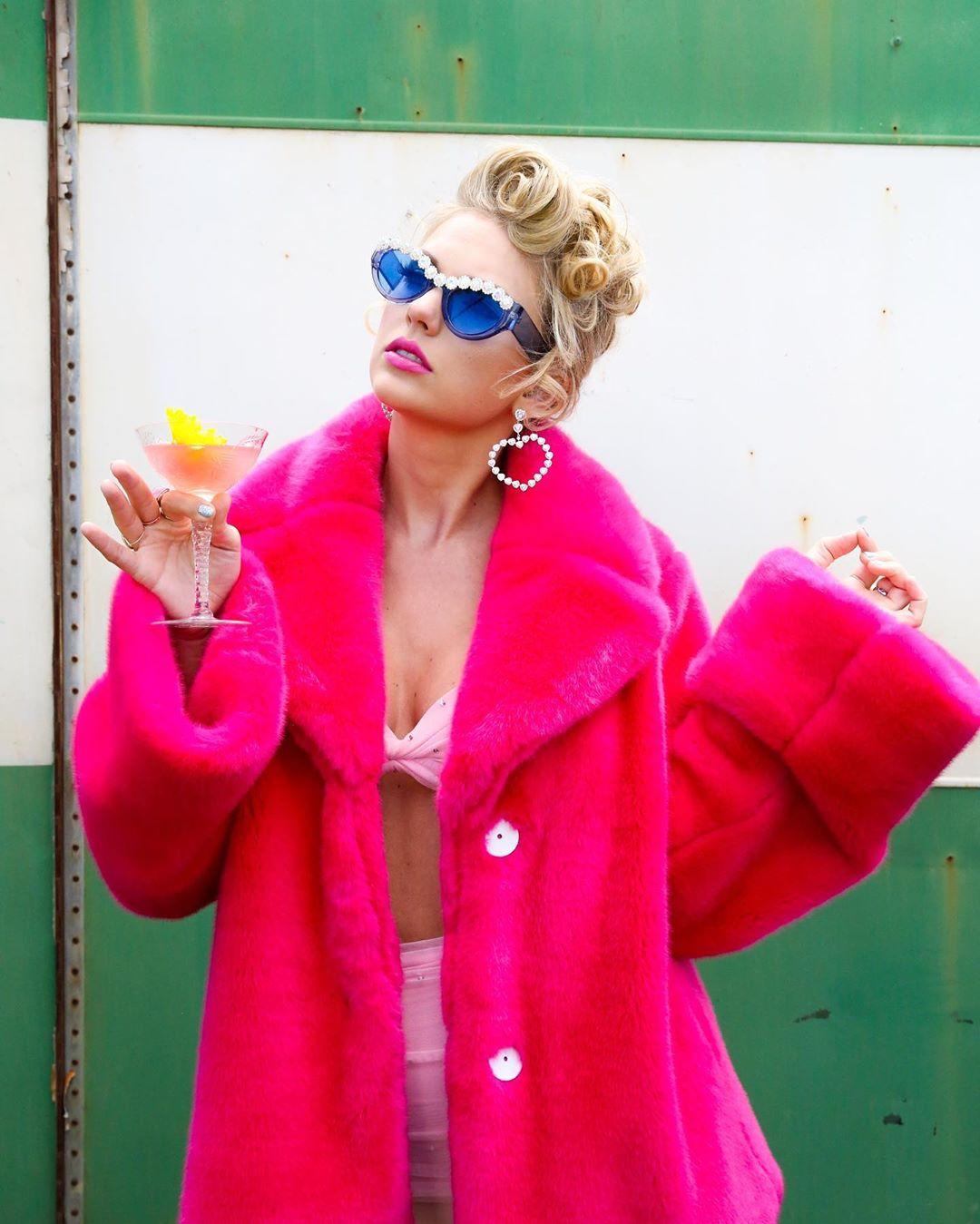 Тейлор Свифт стала самой богатой звездой по версии Forbes-Фото 1