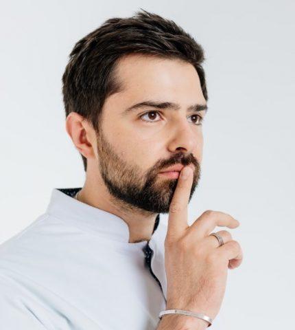 Андрей Якобчук о женских комплексах, хороших мужчинах и желании побороть рак-430x480