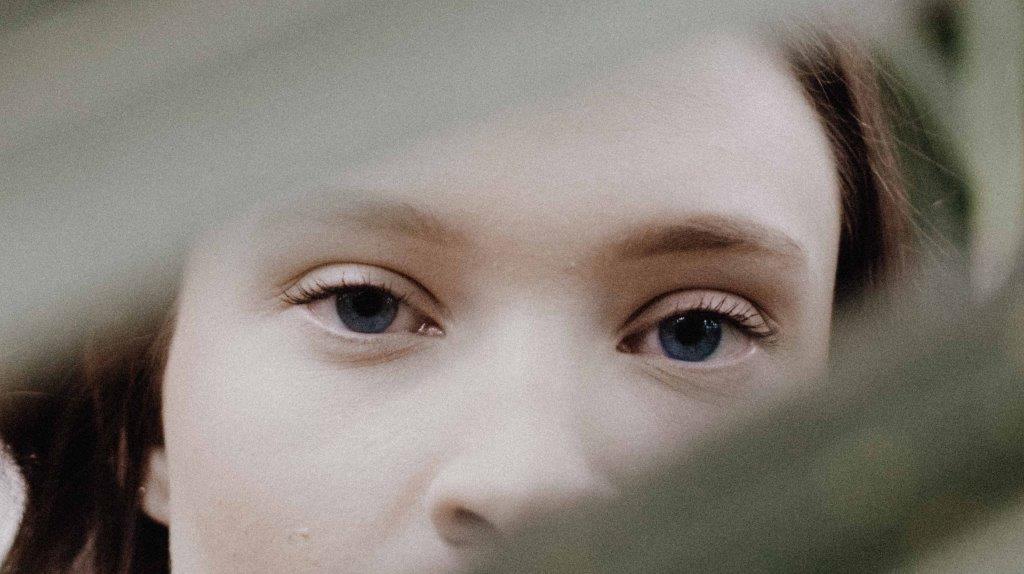 Как правильно выбрать крем для кожи вокруг глаз?-Фото 3