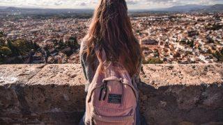 9 туристических привычек, которые не стоит делать во время путешествия-320x180