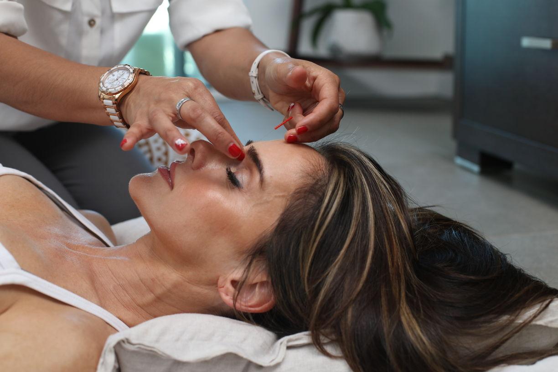 Какие процедуры делать летом: рассказывает косметолог