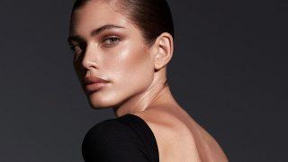 Валентина Сампайо стала первой трансгендерной моделью Victoria's Secret — СМИ-320x180