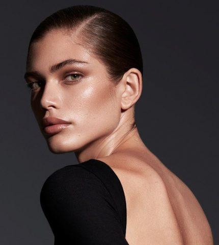 Валентина Сампайо стала первой трансгендерной моделью Victoria's Secret — СМИ-430x480