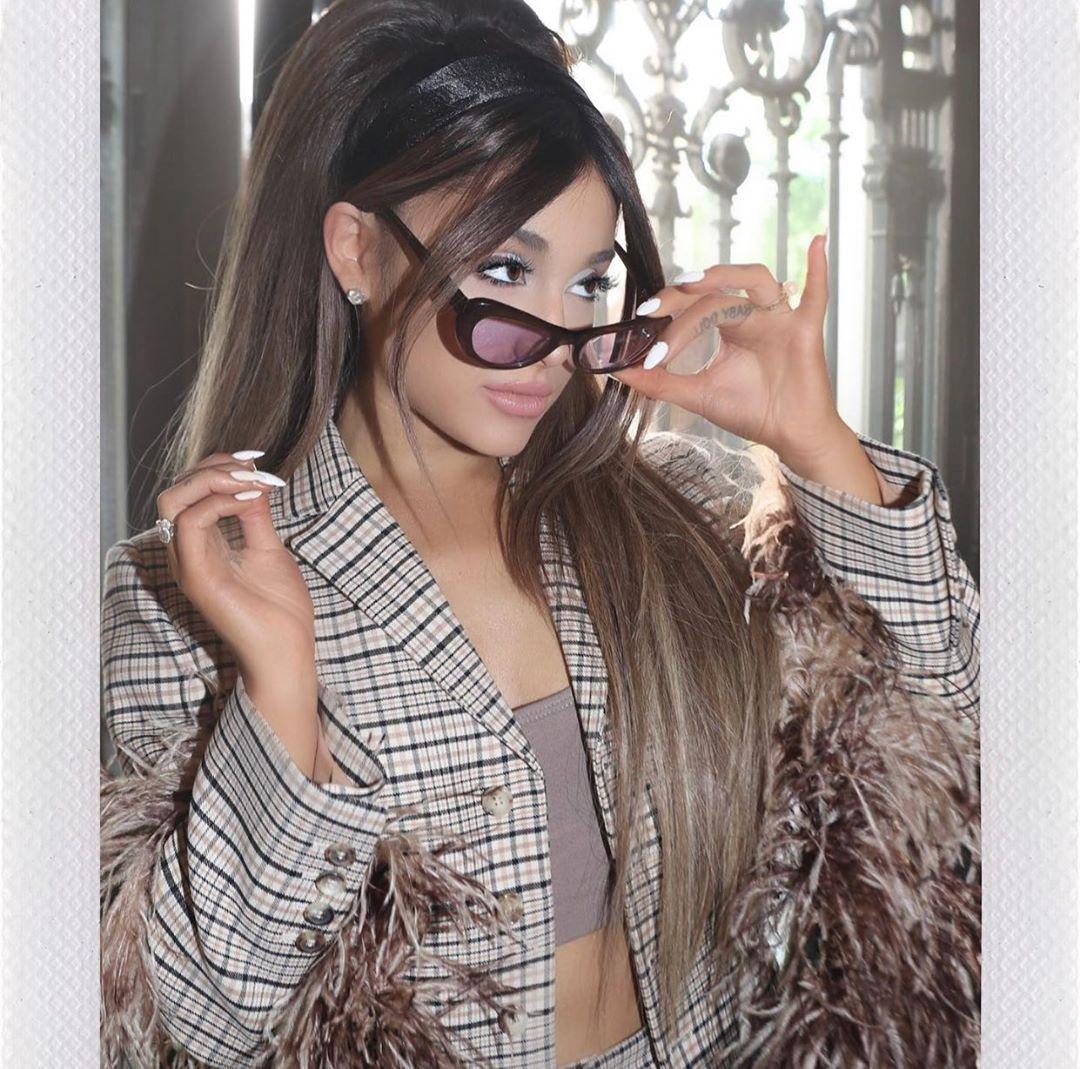 Ариана Гранде выпустила клип на песню «Boyfriend»-Фото 1