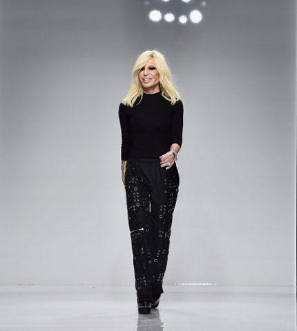 Versace обвинили в посягательстве на суверенитет Китая-430x480
