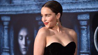 Эмилия Кларк больше не «мать драконов»: смотрите трейлер к новому фильму актрисы-320x180
