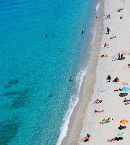 Собираемся на пляж: что должно быть в вашей сумке-430x480