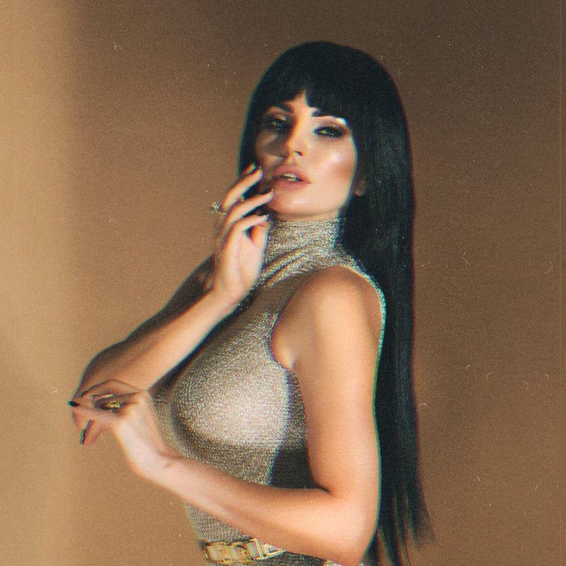 Украинская певица Анна Жулина выпустила песню «Женщина в шоколаде»-Фото 1