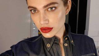 Трансгендерная модель Валентина Сампайо прокомментировала свое участие в показе Victoria's Secret-320x180