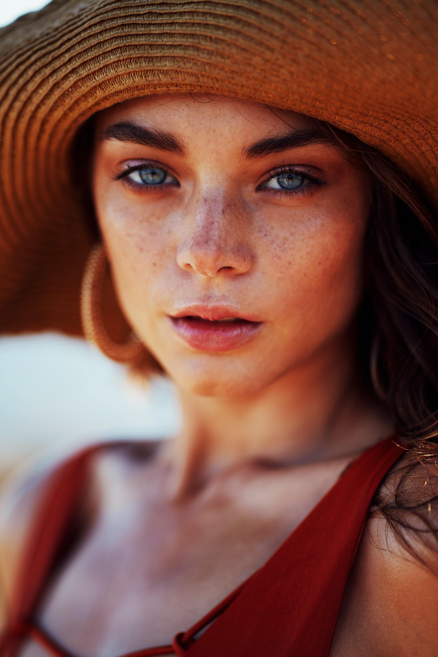 Уход за кожей и макияж в отпуске: практические советы-Фото 2