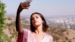 Селена Гомес выпустит документальный сериал на Netflix-320x180