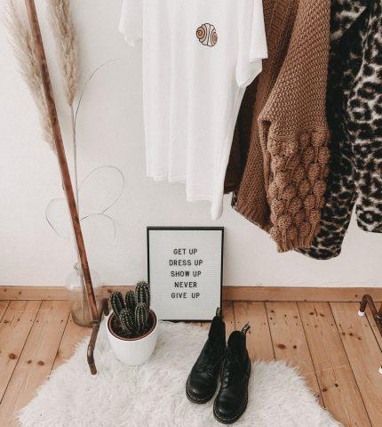Как избавиться от ненужных вещей в гардеробе раз и навсегда: 6 правил-430x480