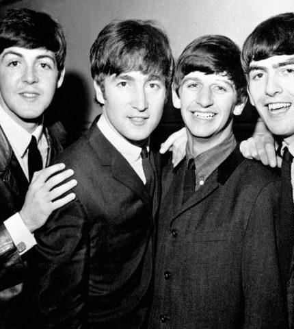 На канале The Beatles вышел клип на одну из самых известных песен-430x480