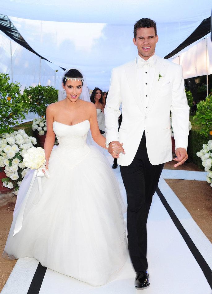 Невестам на заметку: самые актуальные свадебные наряды будущего сезона-Фото 4
