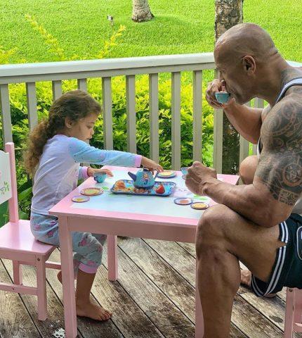 Дуэйн «Скала» Джонсон возглавил список лучших отцов 2019-430x480