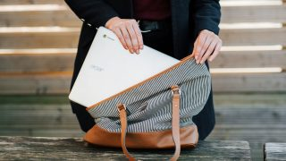 В чем носить ноутбук: 15 вариантов рюкзаков, кейсов и сумок-320x180