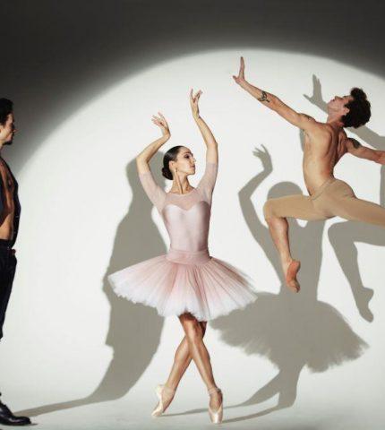 Балетный батл: Екатерина Кухар и Анна София Шеллер устроили соревнование на репетиции-430x480