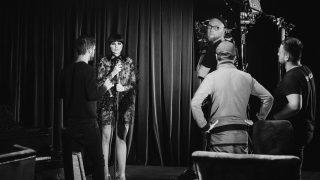 Аня Жулина презентовала дебютный клип на песню «Женщина в шоколаде»-320x180