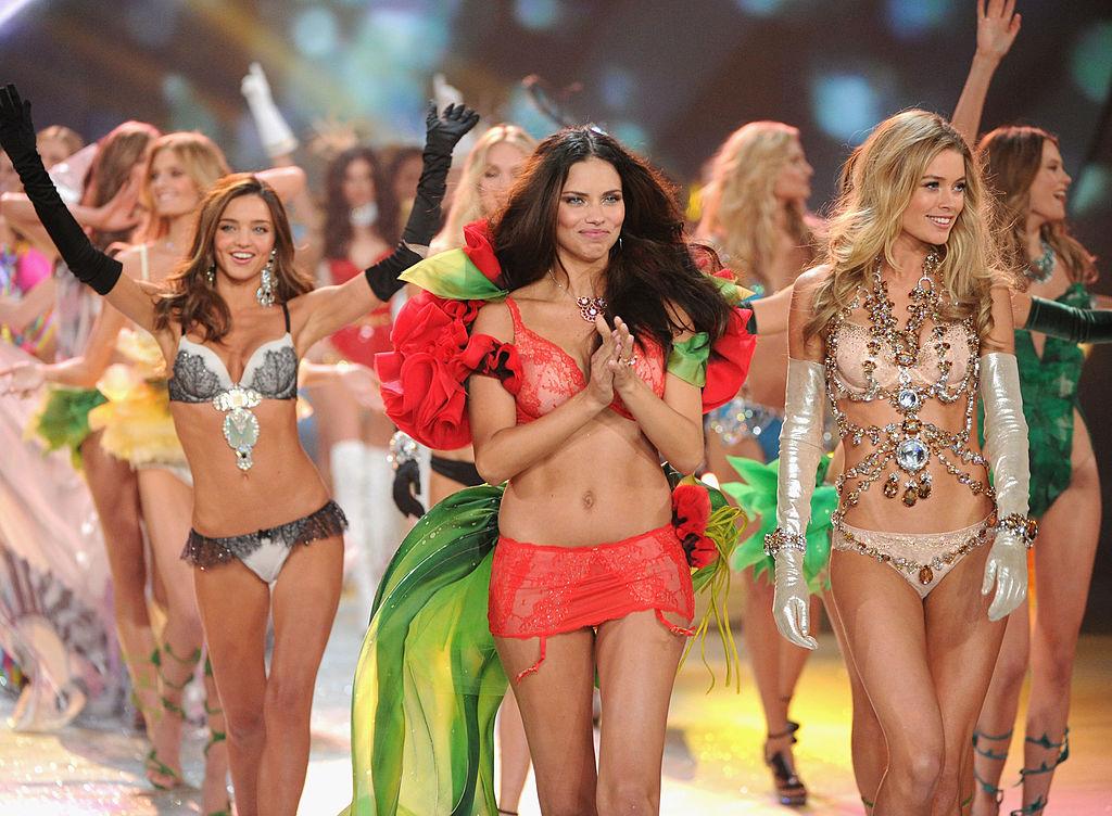 шоу Victoria's Secret закрыли