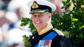 Принц Эндрю отказался от королевских обязанностей-320x180