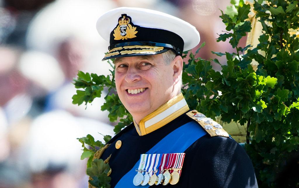 Принц Эндрю отказался от королевских обязанностей-Фото 1