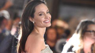 Анджелина Джоли начала ходить на свидания после расставания с Питтом-320x180
