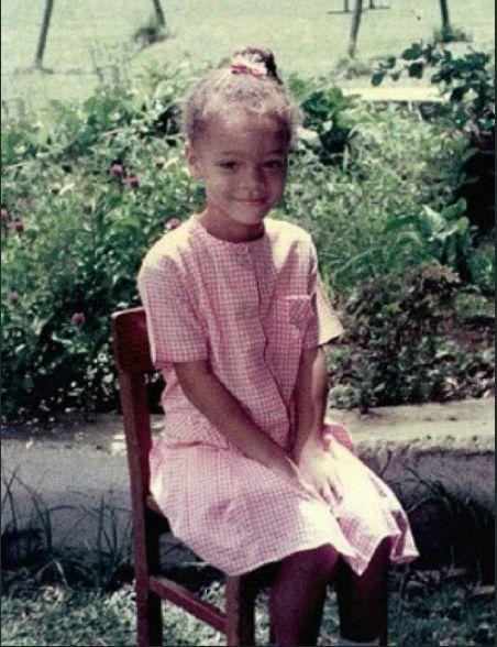 Королева кроссовок и «смуглая Мадонна»: интересные факты о Рианне-Фото 1
