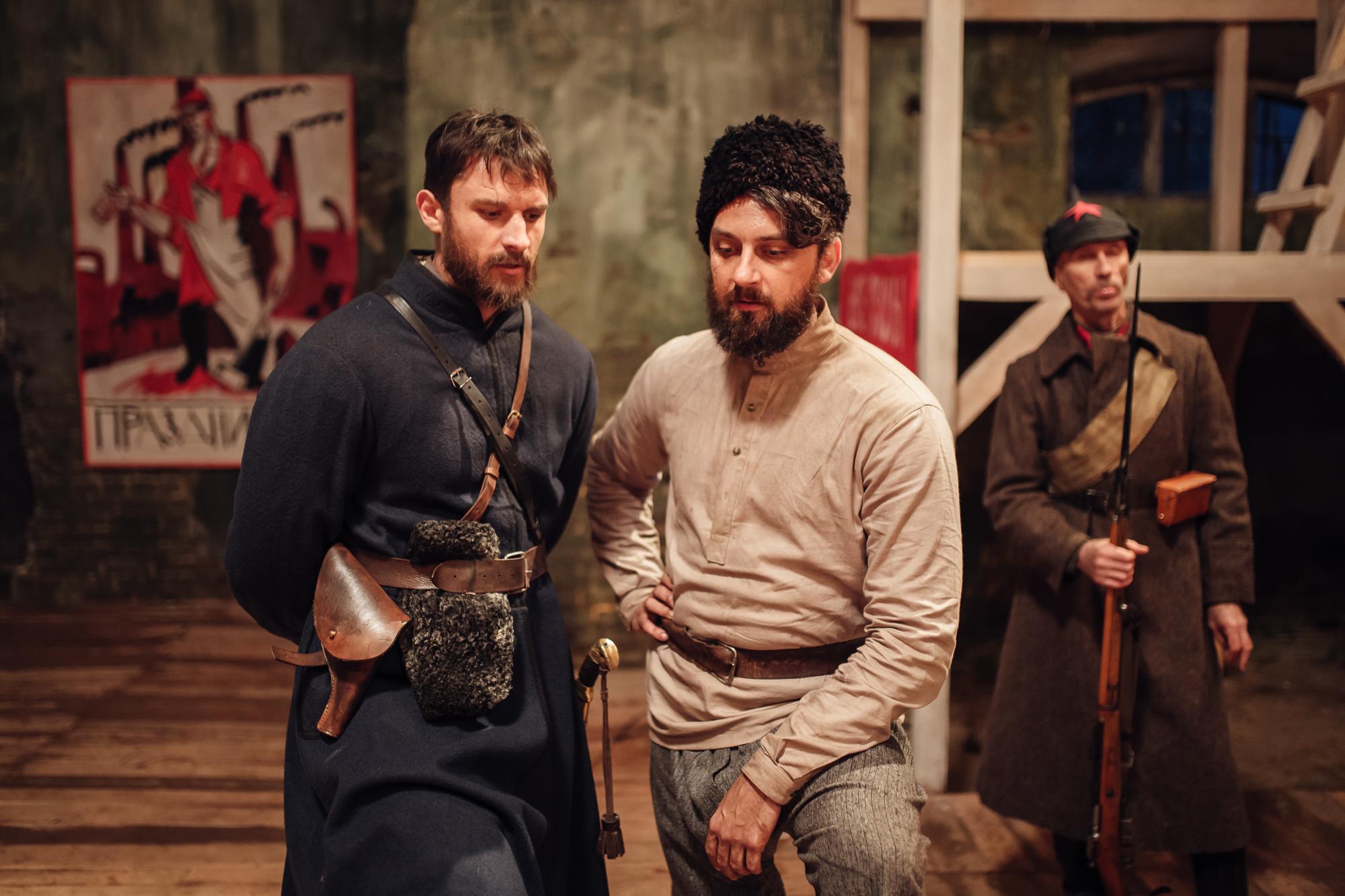 «Чорний ворон» — важливий, але не ідеальний український фільм-нагадування-Фото 2