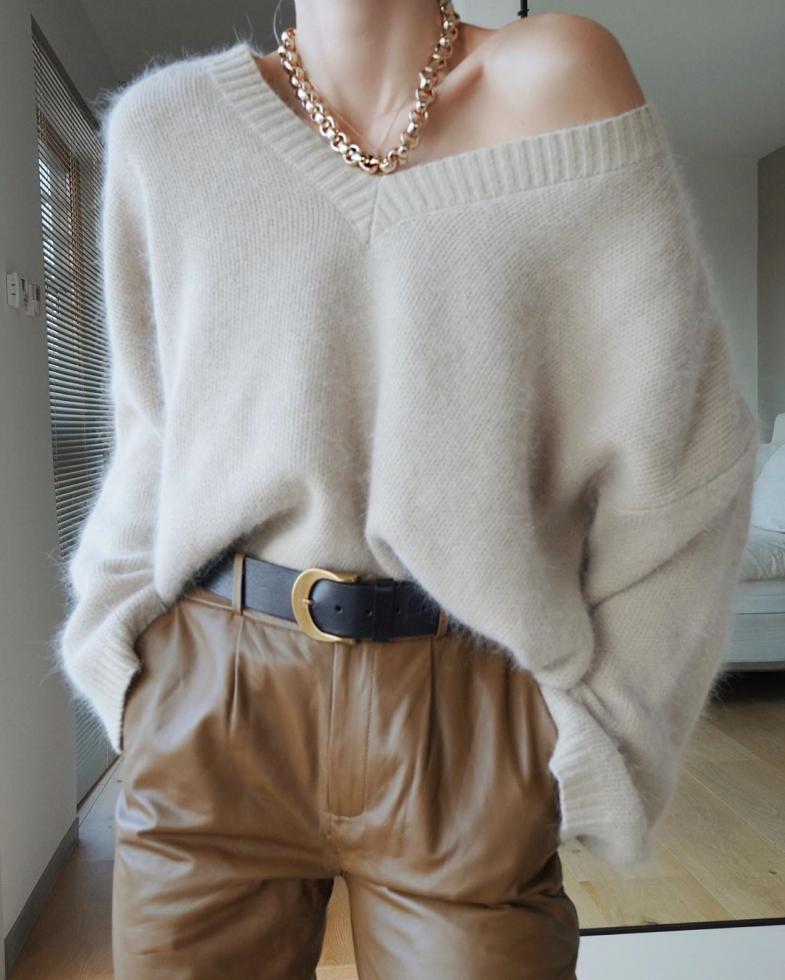 Как выбрать свитер и выглядеть в нем максимально женственно?-Фото 1