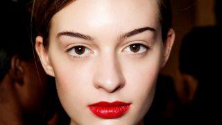 Как сделать новогодний макияж стойким: 7 лайфхаков-320x180