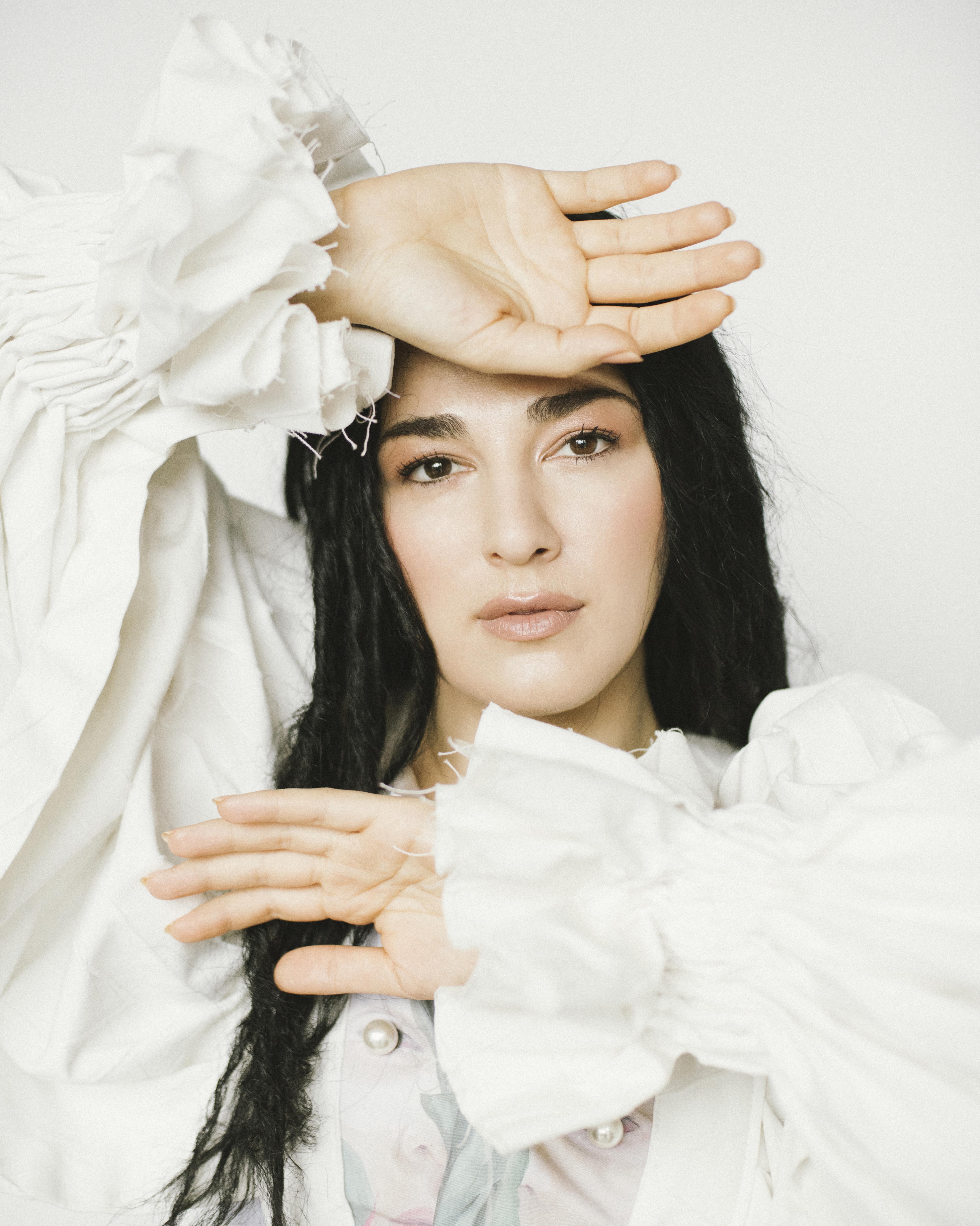 Певица LAURA MARTI  выпустила новый альбом «Все буде добре!»-Фото 2