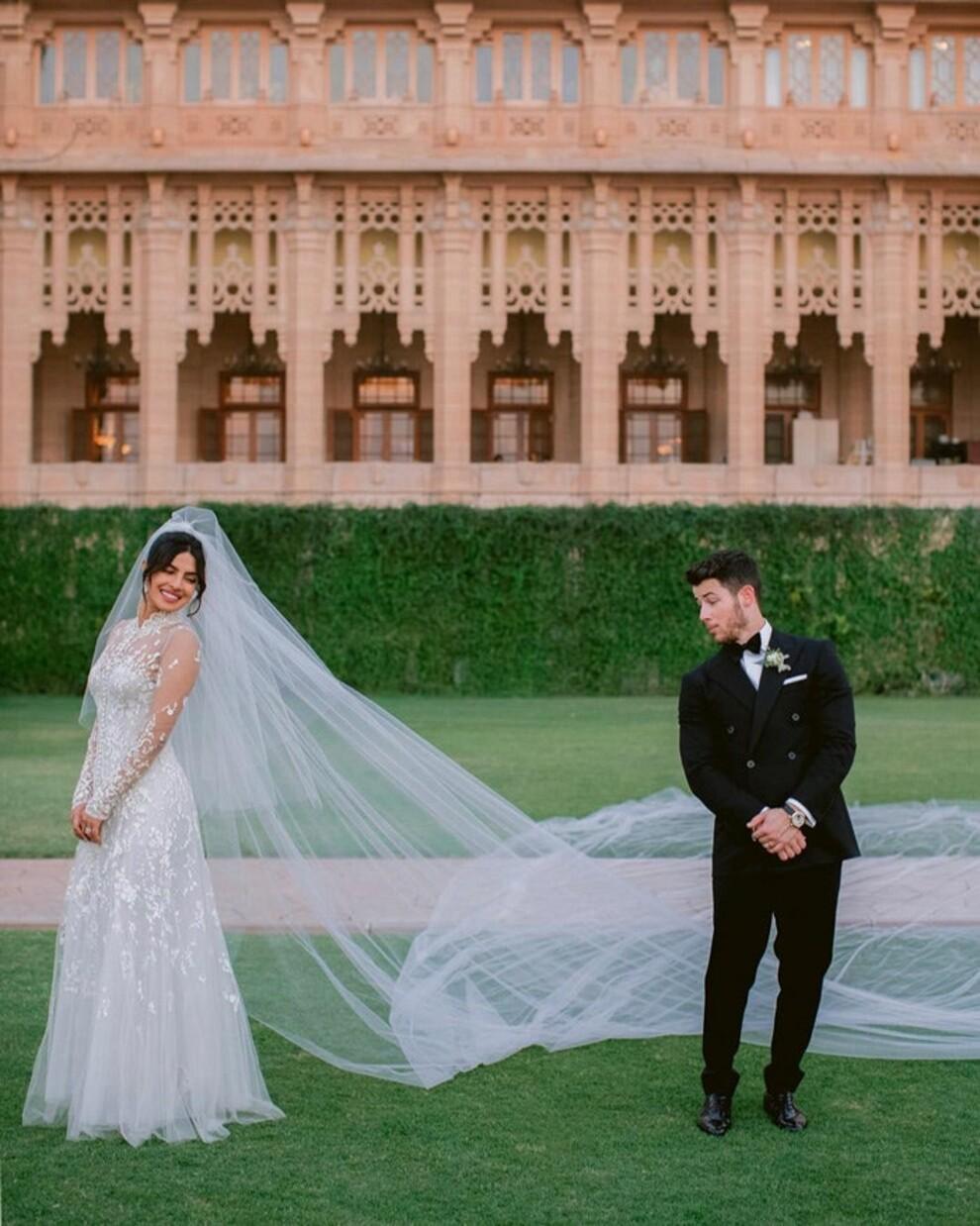 Лучшие звездные свадебные платья десятилетия-Фото 2