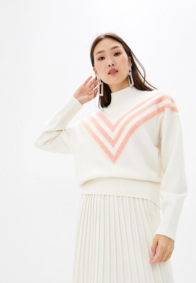 Как выбрать свитер и выглядеть в нем максимально женственно?-Фото 5