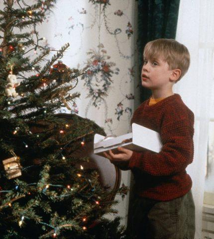 Праздничная атмосфера дома: как украсить квартиру к Новому году-430x480