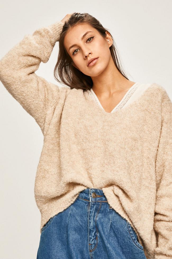 Как выбрать свитер и выглядеть в нем максимально женственно?-Фото 2