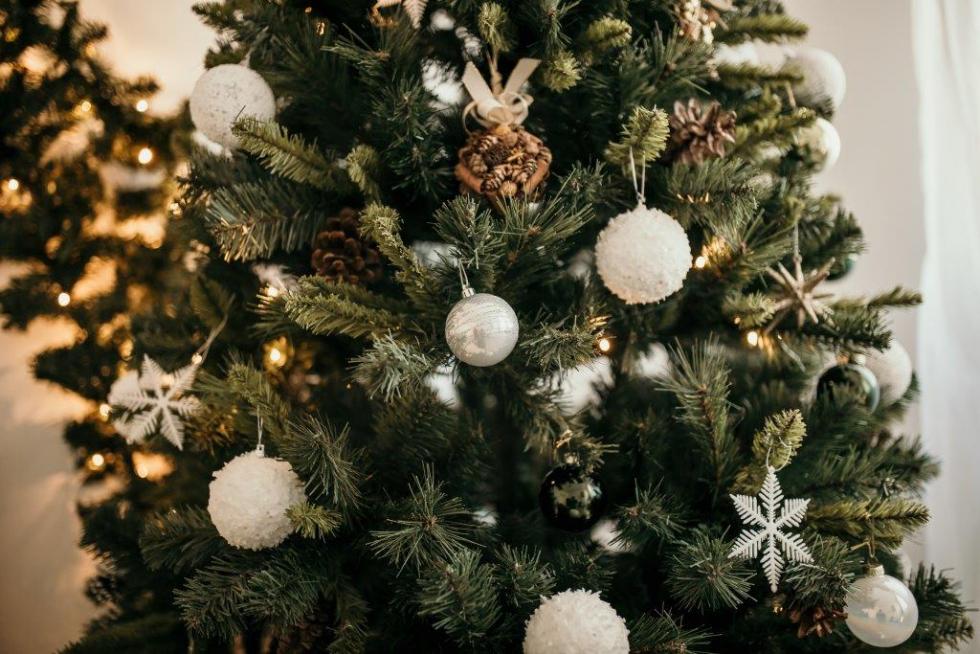 Праздничная атмосфера дома: как украсить квартиру к Новому году-Фото 3