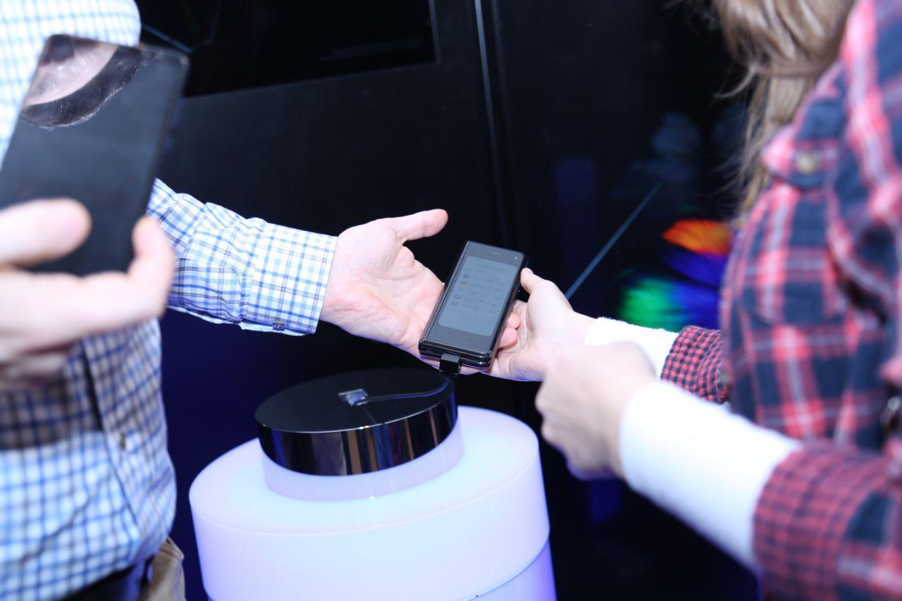 Samsung Electronics презентувала в Україні перший смарфтон з гнучким екраном  Galaxy Fold-Фото 3
