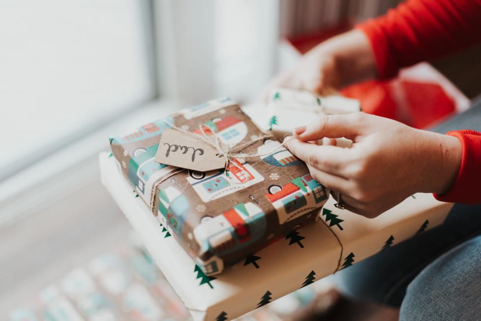Как стильно и оригинально упаковать новогодний подарок-Фото 3
