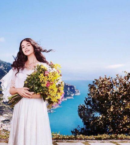 15-летняя дочь Моники Беллуччи стала лицом нового аромата Dolce&Gabbana-430x480