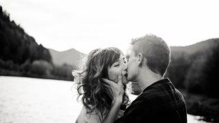 30 малоизвестных фактов о поцелуе-320x180