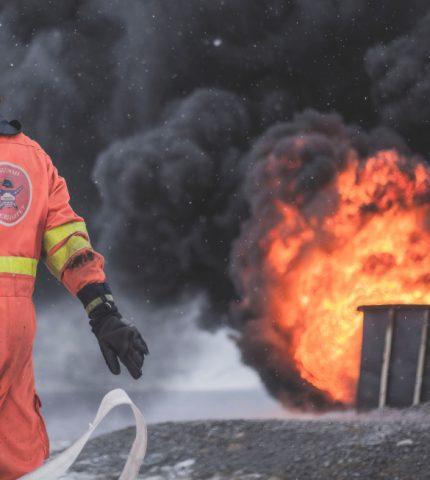 Компания, владеющая Gucci и Balenciaga, пожертвовала крупную сумму на борьбу с пожарами в Австралии-430x480