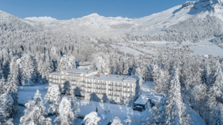 Зимняя сказка: незабываемые каникулы в альпийском отеле Waldhaus Flims-320x180