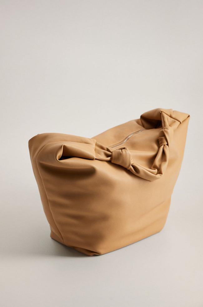 Трендовые аксессуары 2020: броши, сумки и очки-Фото 9