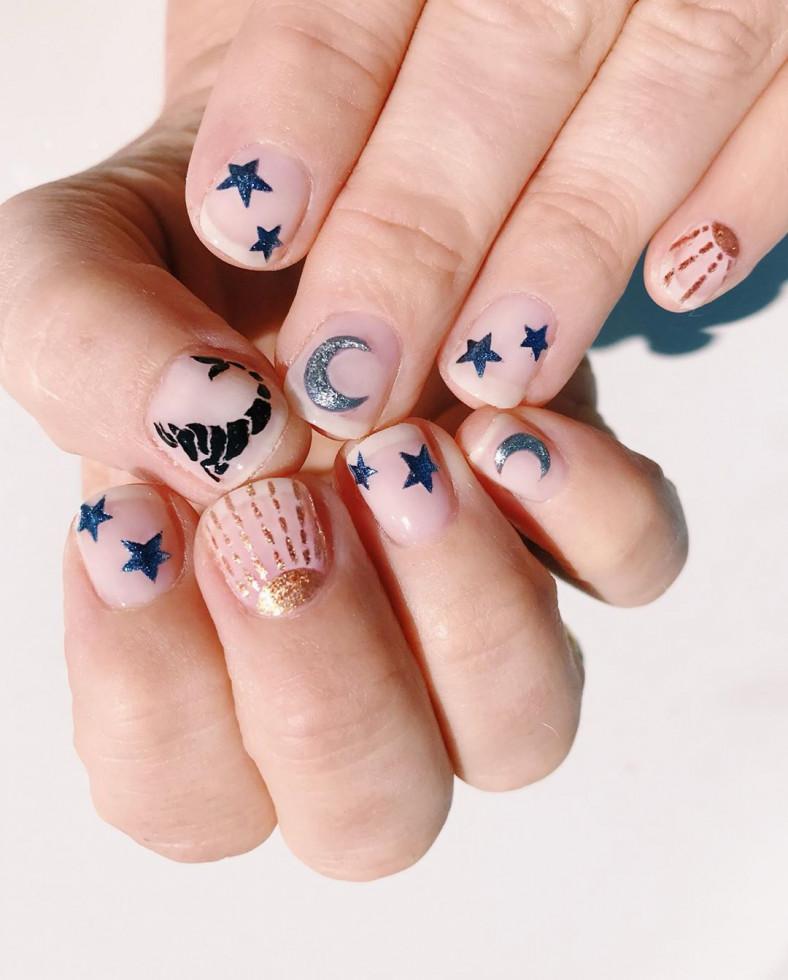 Новый nail-тренд: 10 идей для астро-маникюра-Фото 1