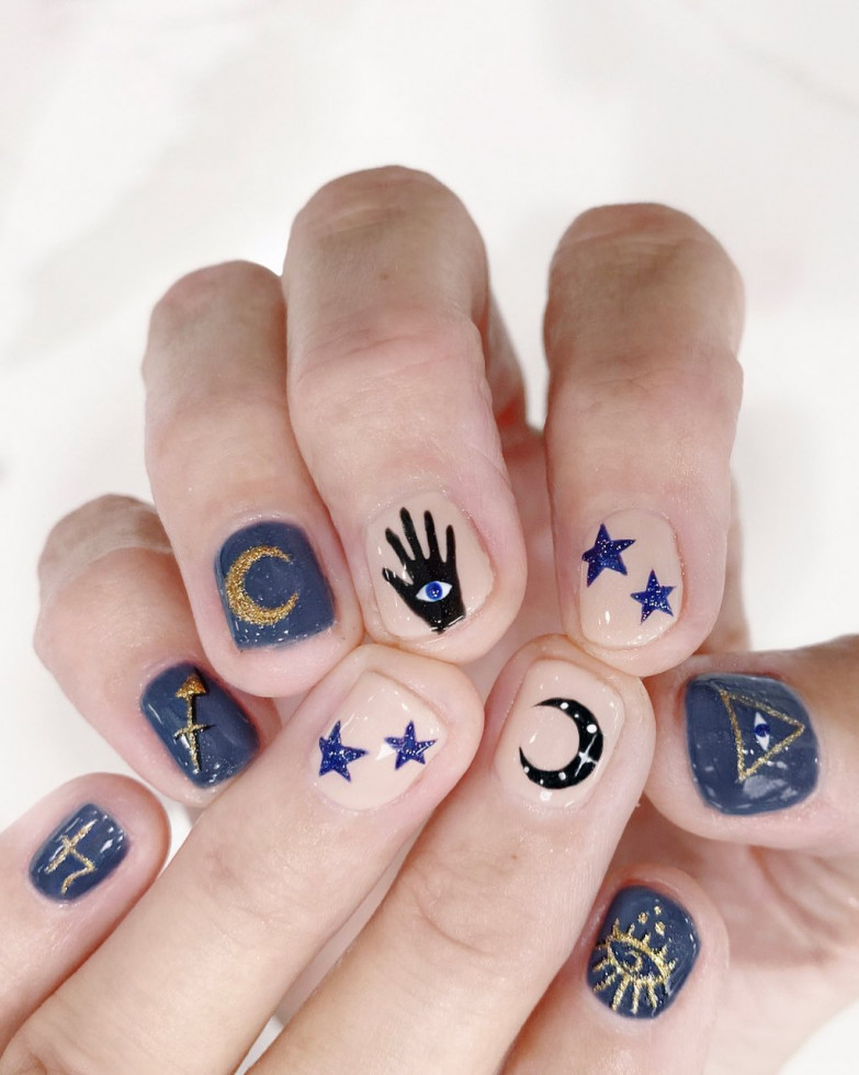 Новый nail-тренд: 10 идей для астро-маникюра-Фото 9
